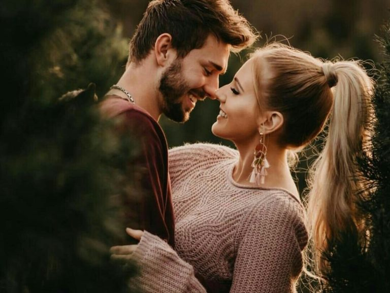 5 Signs to know You Are with The Right Woman
